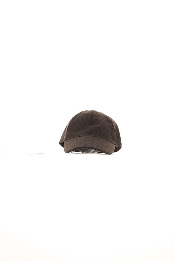 Cappello da baseball, logo ricamato, regolabile con velcro posteriore.