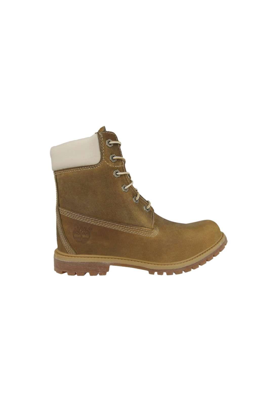 Boot classico in pieno stile Timberland, ideale per affrontare l'inverno con comodità.