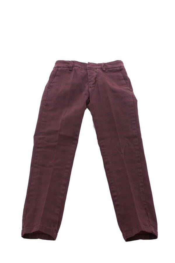 Il pantalone per le cerimonie dal taglio chino anche per i tuoi più piccoli.