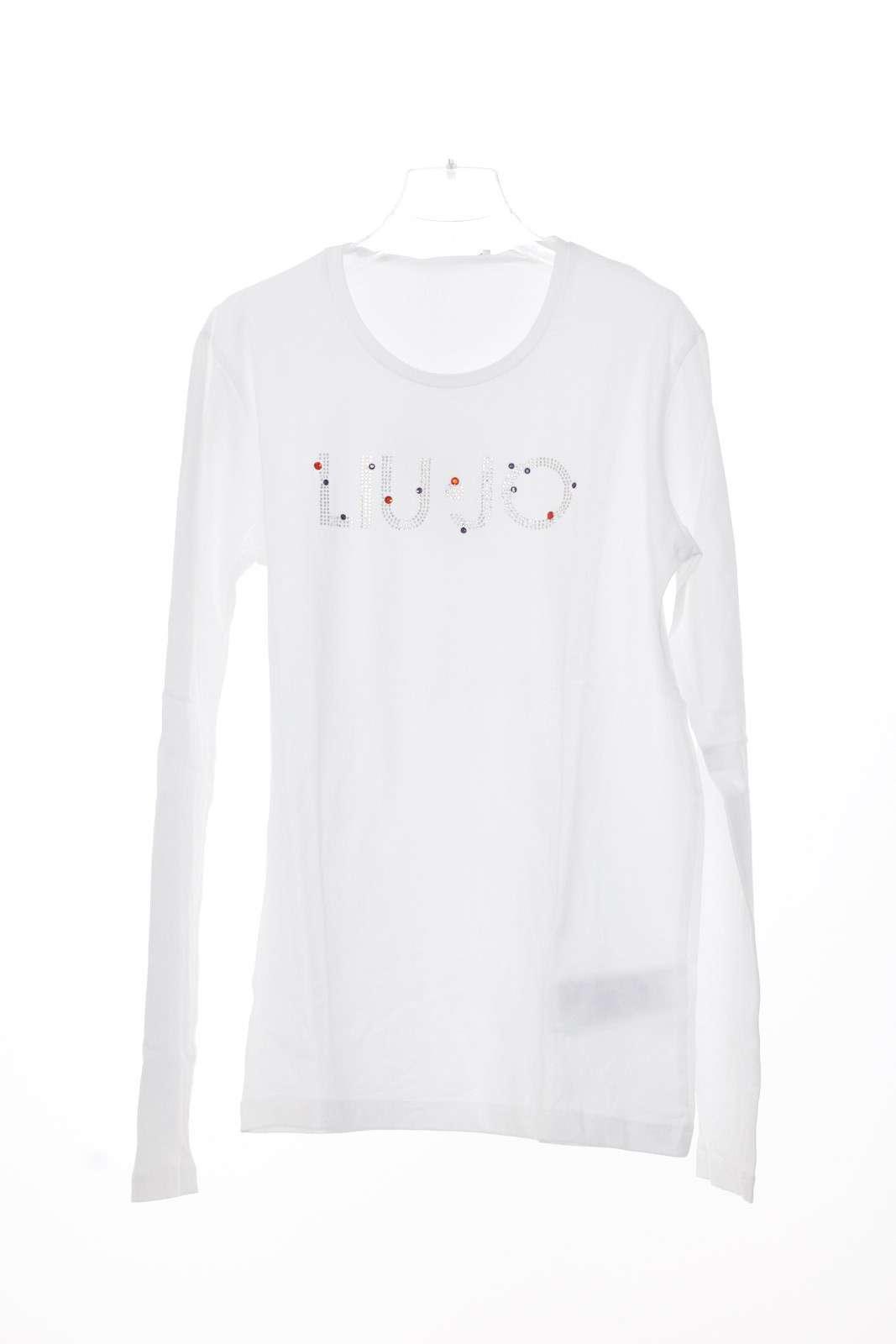 T shirt dal taglio semplice, luminosa per la scritta del logo in strass colorati che danno luce al capo.