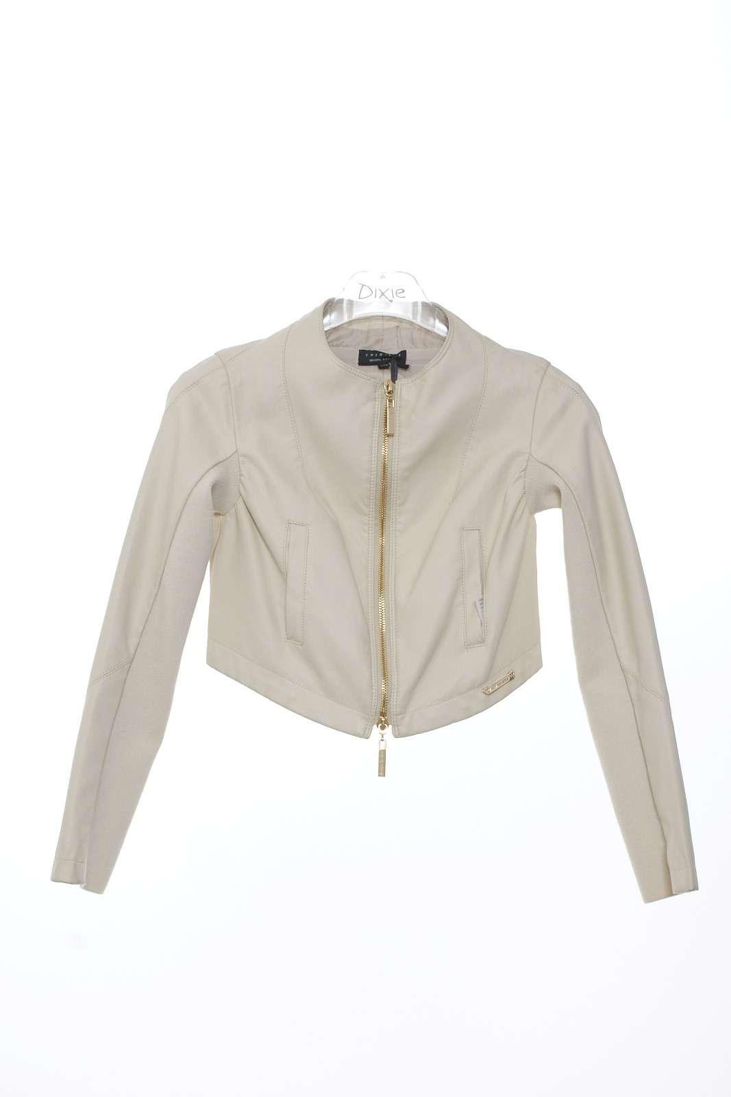 Piccolo chiodo in ecopelle anche per i più piccoli da abbinare come giacca sopra un abitino o sopra un jeans per un uso più semplice.