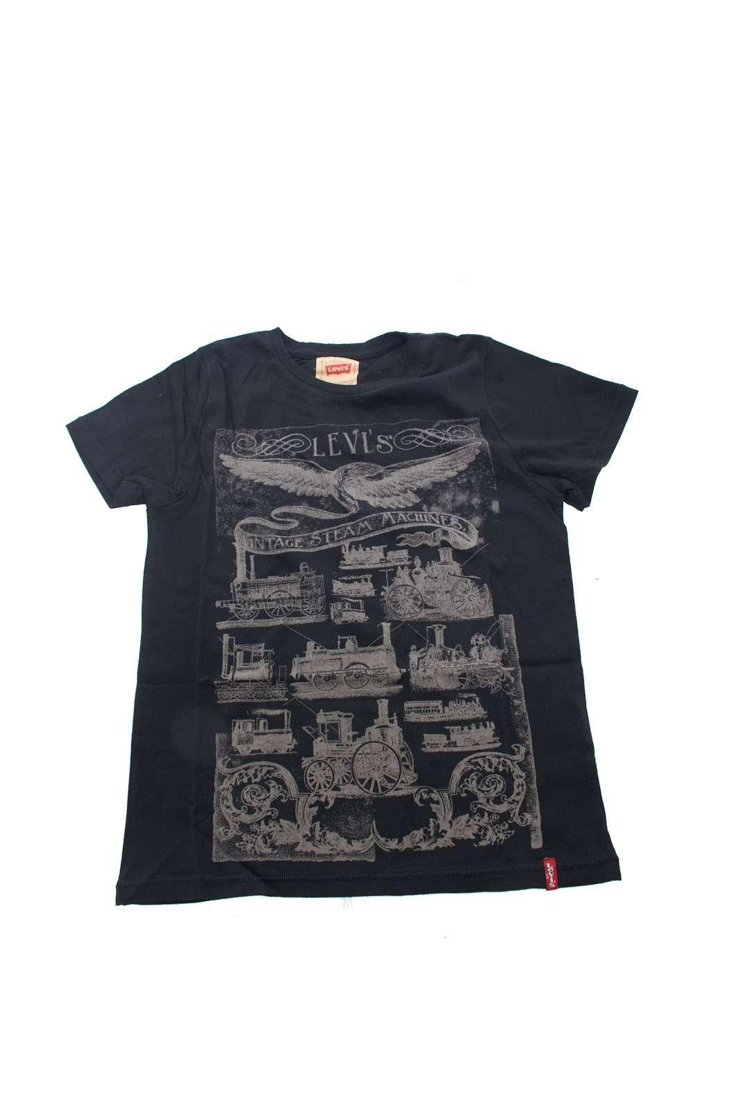 Scopri la T shirt dall'esclusiva stampa vintage firmata Levi's. Per un perfetto outfit dedicato ai più piccoli, permette di vestire il proprio bambino con gusto e con un tocco fashion. Ideale con un paio di jeans o di bermuda per essere impeccabili in ogni occasione.