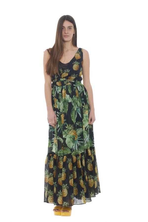 Un abito femminile e raffinato quello proposto dalla collezione donna Twin set Milano. caratterizzato dalla chiusura a vestaglia conquista per la sua linea morbida e l'esclusiva fantasia ananas. Pensato per le serate più importanti è un must have