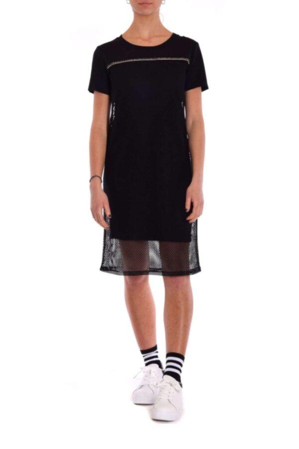 Un abito in jersey con inserto a rete la proposta della nuova collezione donna Liu Jo Sport. Da indossare nelle occasioni pià casual si impone per comodità e urban look. Da abbinare sia con tacchi alti che con scarponcini è un essential per gli outfit quotidiani.