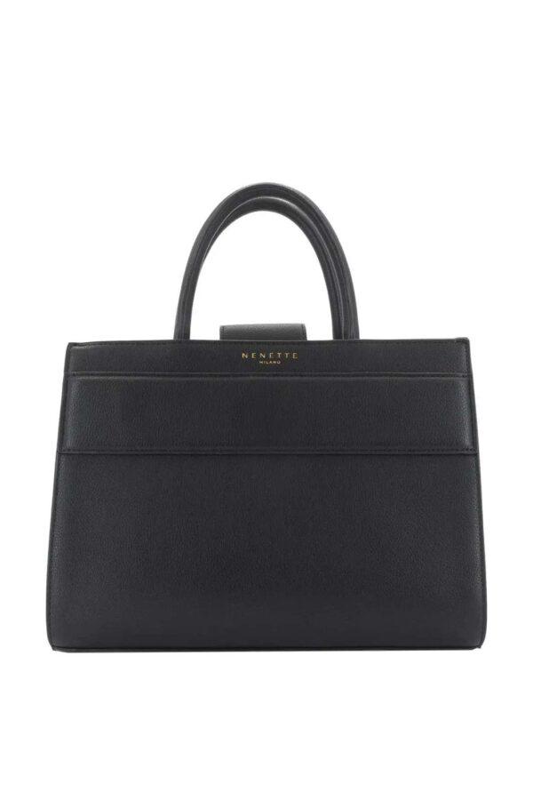Una borsa per i look quotidiani quella firmata dalla collezione donna Nenette. Il tessuto in pelle ecologica la rende affascinante e versatile. Un evergreen per ogni look.
