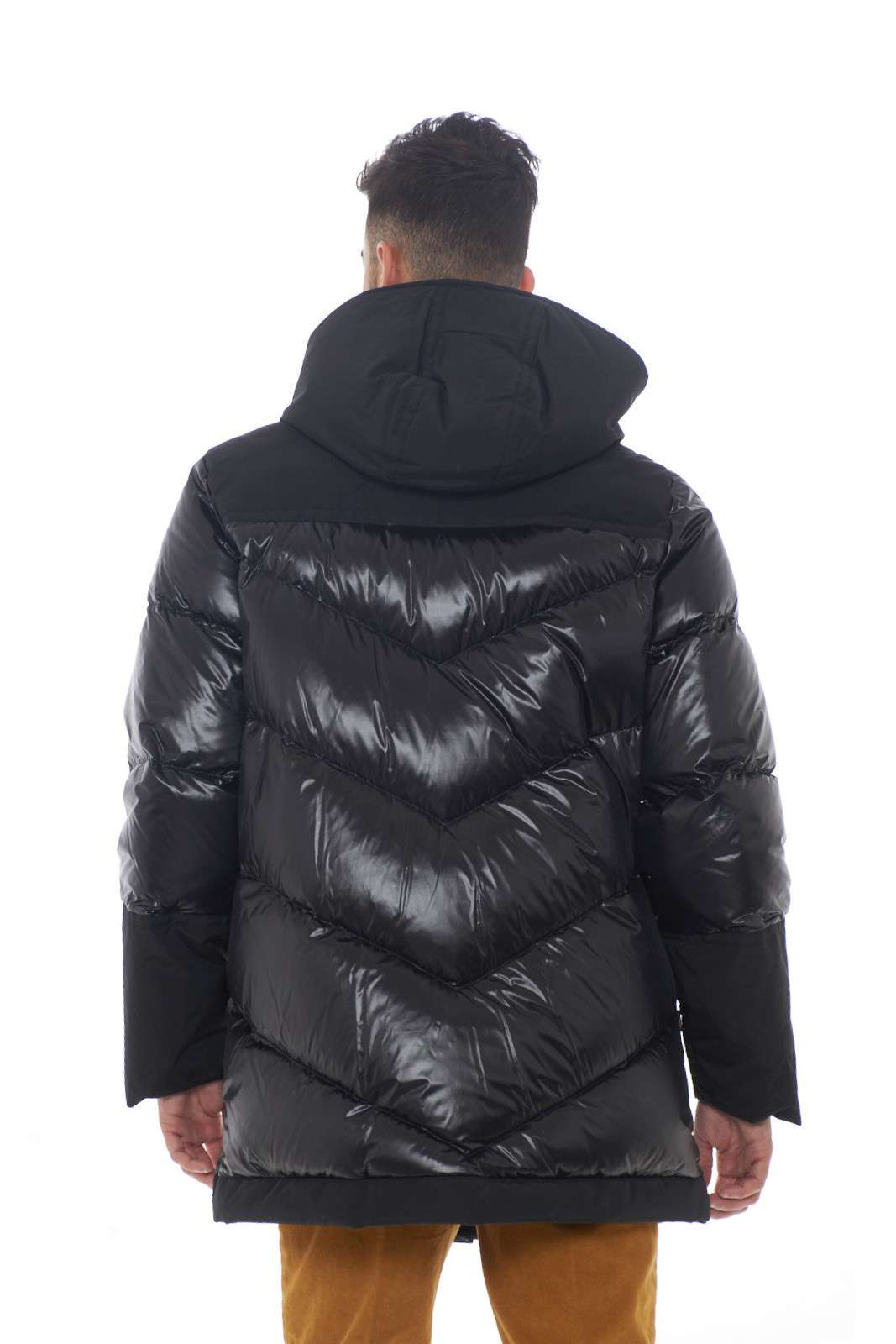 https://www.parmax.com/media/catalog/product/a/i/AI-outlet_parmax-giubbino-uomo-Woolrich-WOCPS2860-C.jpg