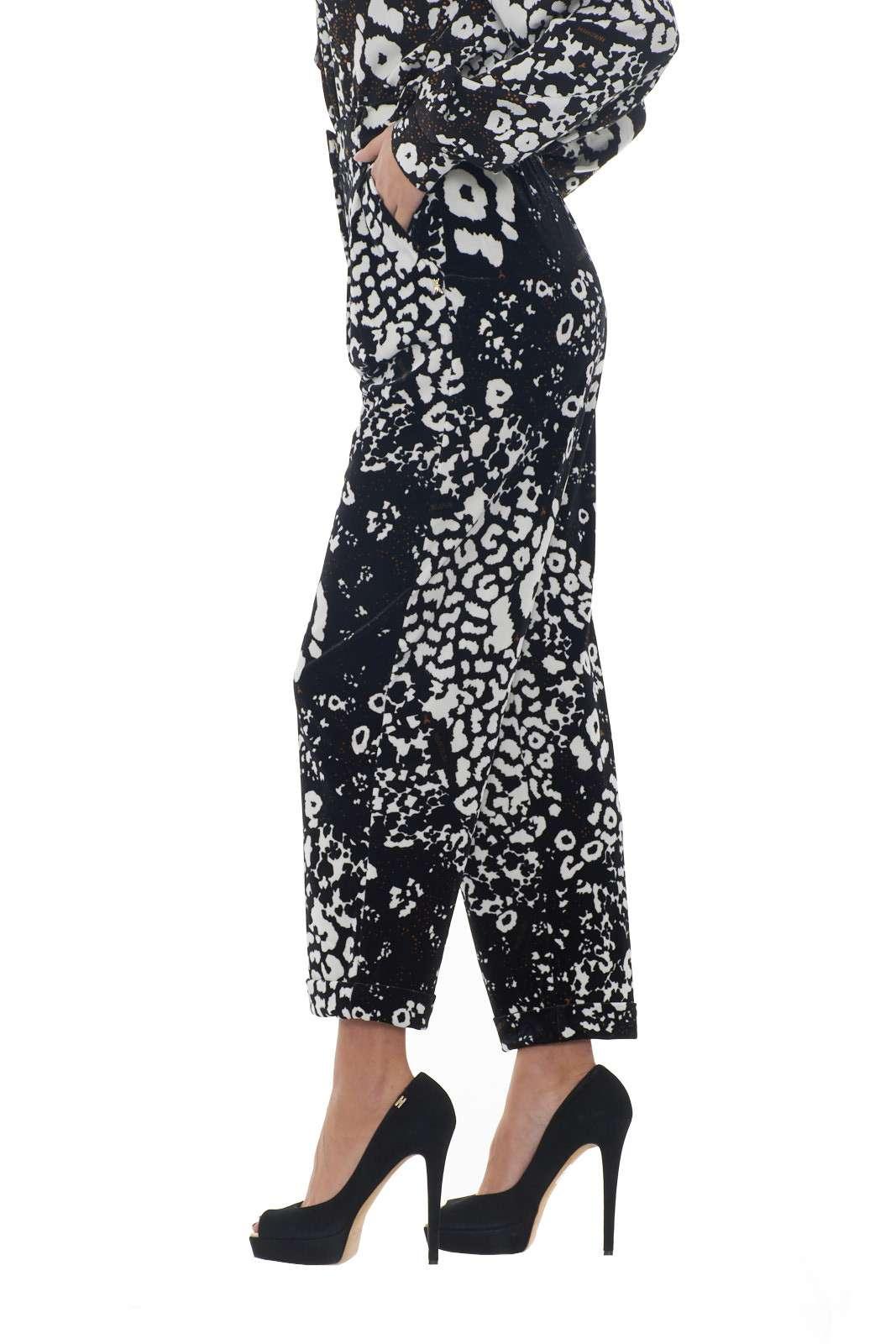 https://www.parmax.com/media/catalog/product/a/i/AI-outlet_parmax-pantaloni-donna-Patrizia-Pepe-2p1179-B.jpg