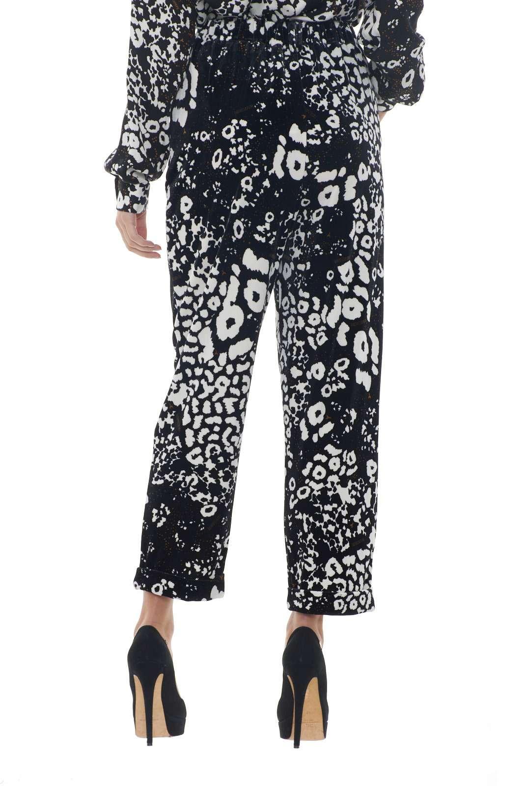 https://www.parmax.com/media/catalog/product/a/i/AI-outlet_parmax-pantaloni-donna-Patrizia-Pepe-2p1179-C.jpg