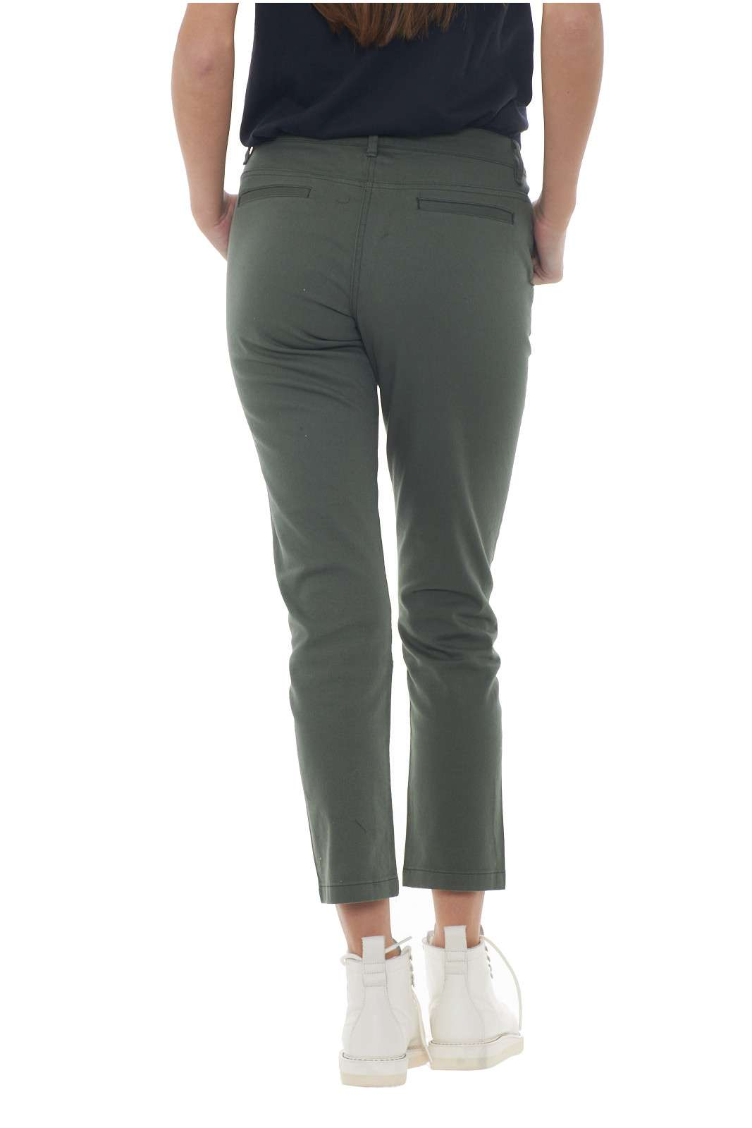 https://www.parmax.com/media/catalog/product/a/i/AI-outlet_parmax-pantaloni-donna-SH-Collection-18102019-C.jpg