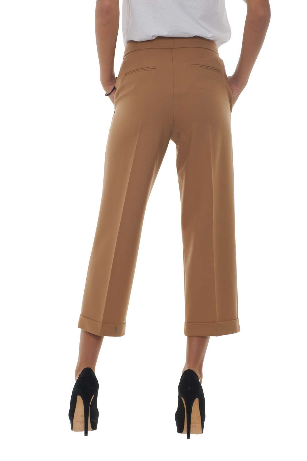 https://www.parmax.com/media/catalog/product/a/i/AI-outlet_parmax-pantaloni-donna-Twin-Set-192TT2455-C.jpg