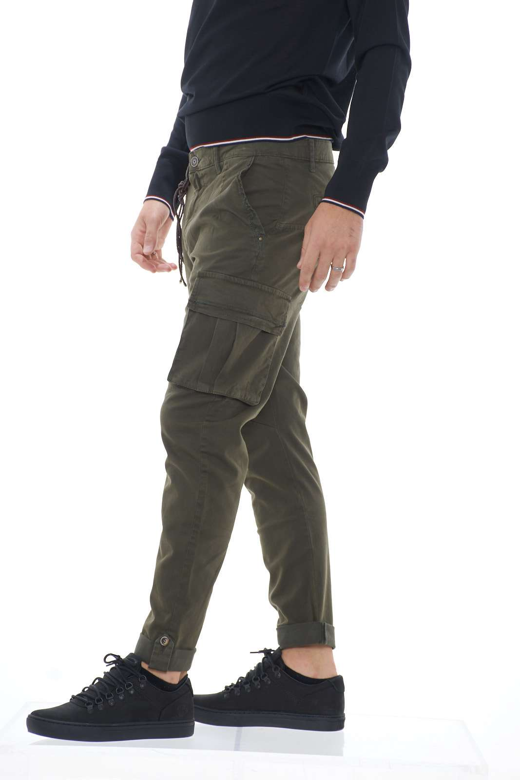 https://www.parmax.com/media/catalog/product/A/I/AI-outlet_parmax-pantaloni-uomo-Squad-gvc9711-B.jpg