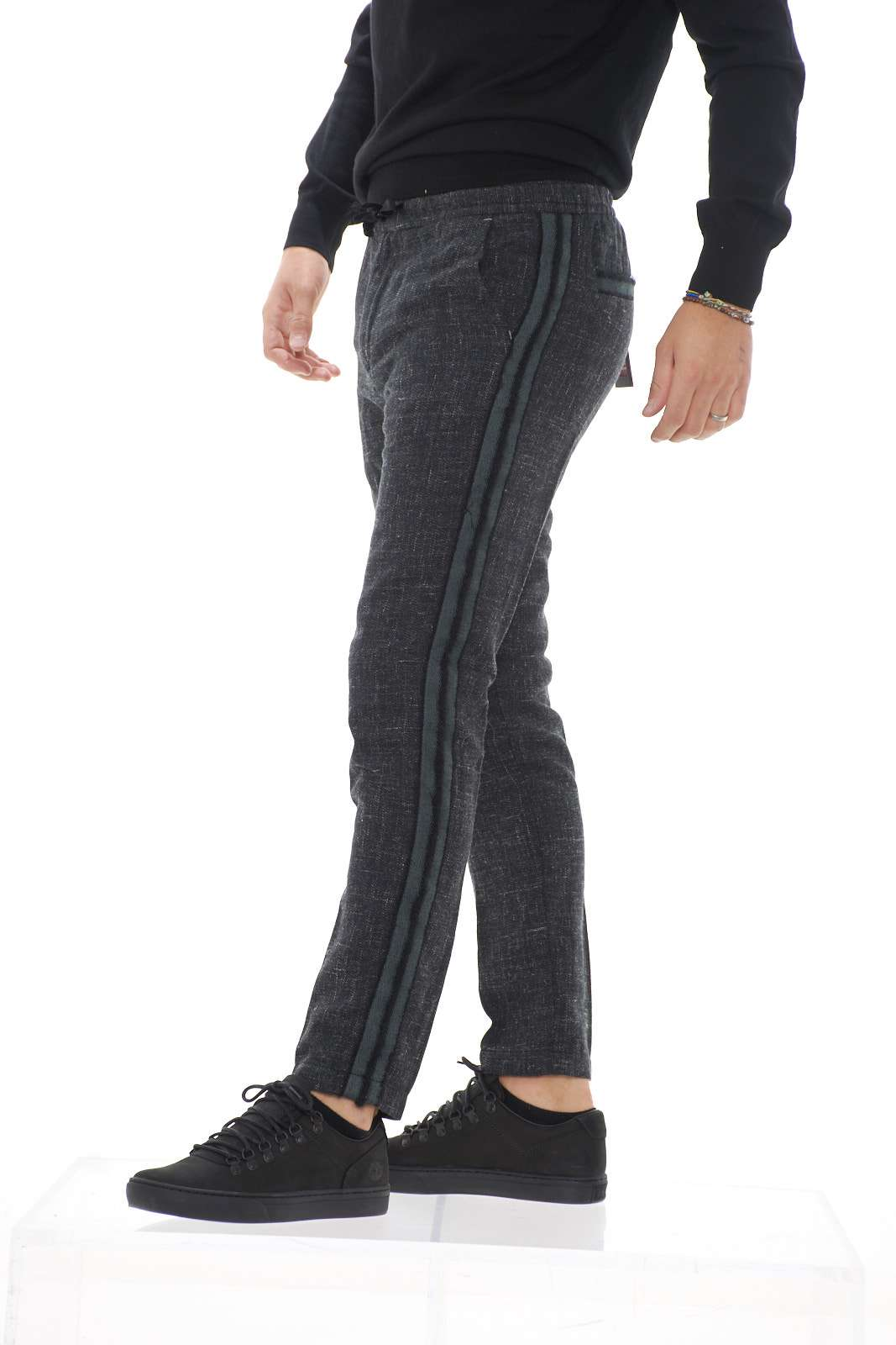 https://www.parmax.com/media/catalog/product/A/I/AI-outlet_parmax-pantaloni-uomo-Squad-psc9722-B.jpg
