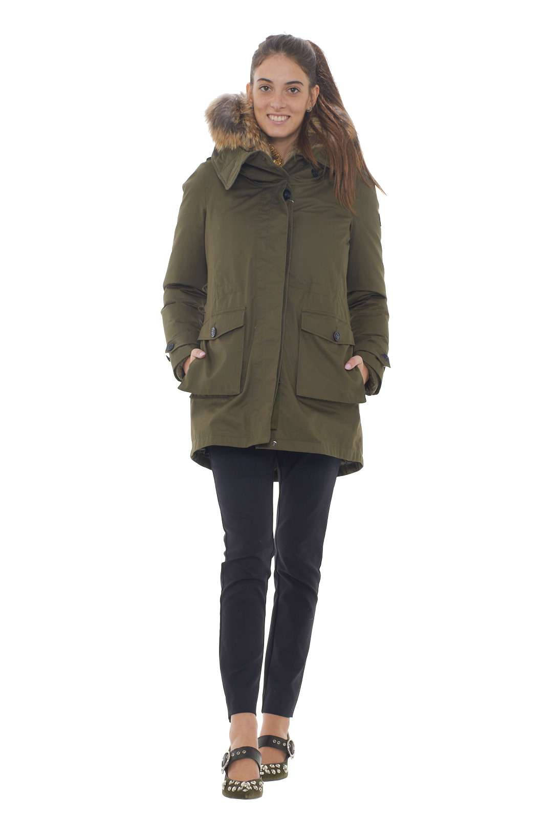 https://www.parmax.com/media/catalog/product/a/i/AI-outlet_parmax-parka-donna-Woolrich-WWCPS2760-D.jpg