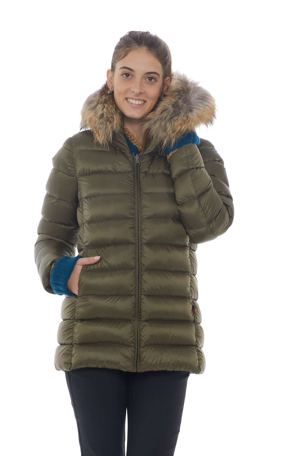 https://www.parmax.com/media/catalog/product/a/i/AI-outlet_parmax-parka-donna-Woolrich-WWCPS2760-E.jpg