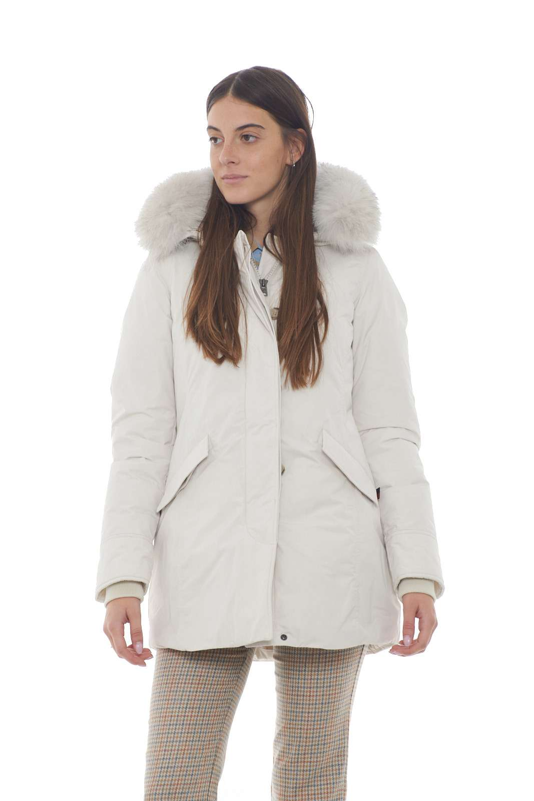 https://www.parmax.com/media/catalog/product/a/i/AI-outlet_parmax-parka-donna-Woolrich-wwcps2834-A.jpg