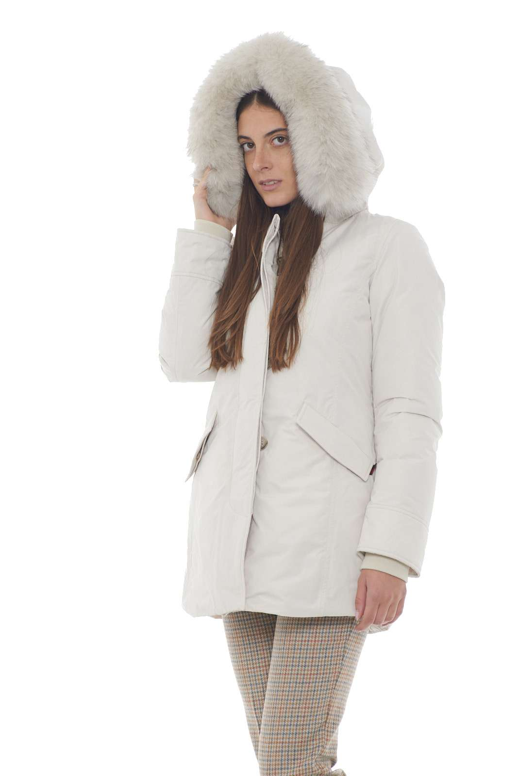 https://www.parmax.com/media/catalog/product/a/i/AI-outlet_parmax-parka-donna-Woolrich-wwcps2834-B.jpg