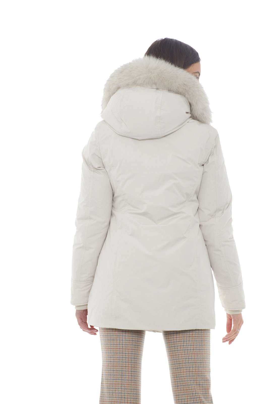 https://www.parmax.com/media/catalog/product/a/i/AI-outlet_parmax-parka-donna-Woolrich-wwcps2834-C.jpg
