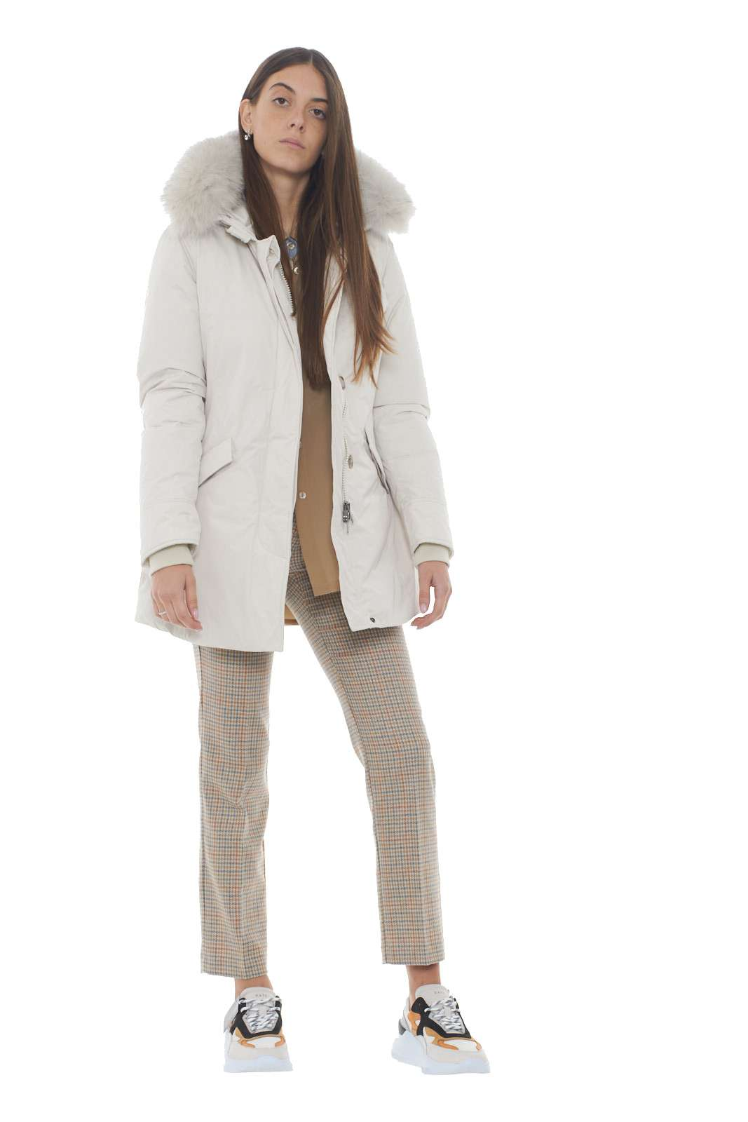 https://www.parmax.com/media/catalog/product/a/i/AI-outlet_parmax-parka-donna-Woolrich-wwcps2834-D.jpg