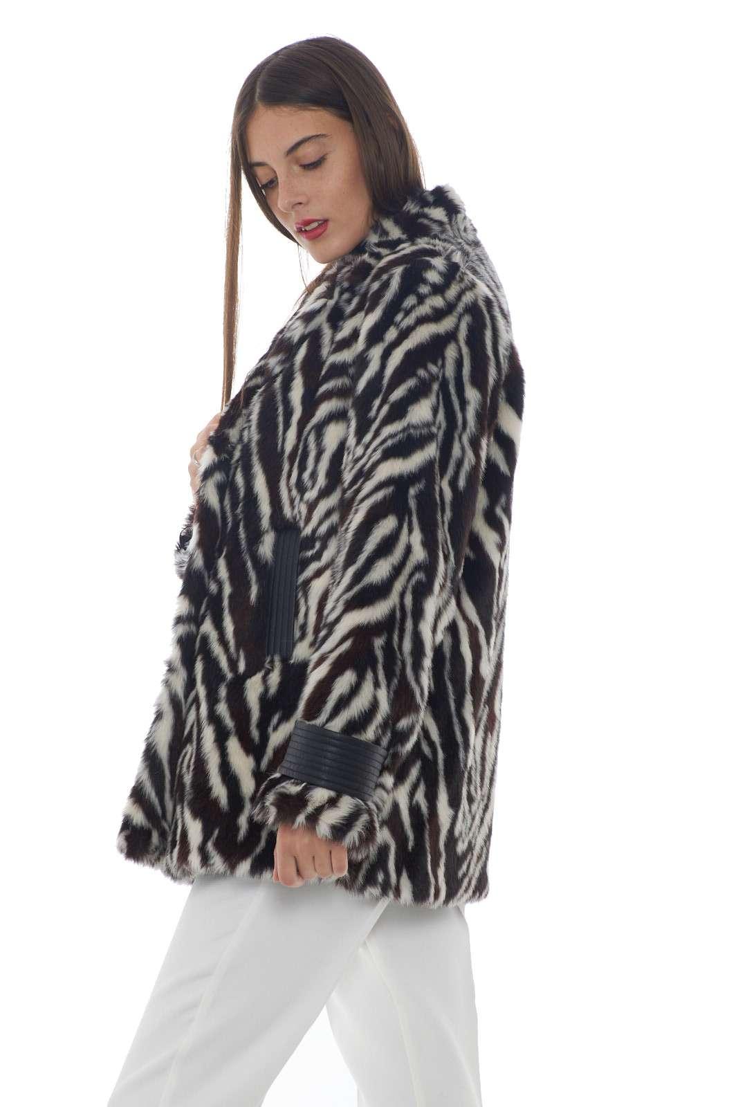 https://www.parmax.com/media/catalog/product/a/i/AI-outlet_parmax-pelliccia-donna-Pinko-1g146m-B.jpg