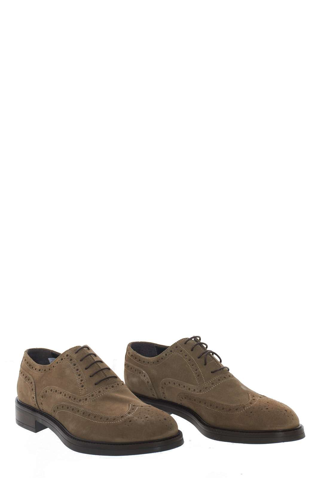 https://www.parmax.com/media/catalog/product/a/i/AI-outlet_parmax-scarpe-uomo-Libero%20Fashion-7582-A.jpg