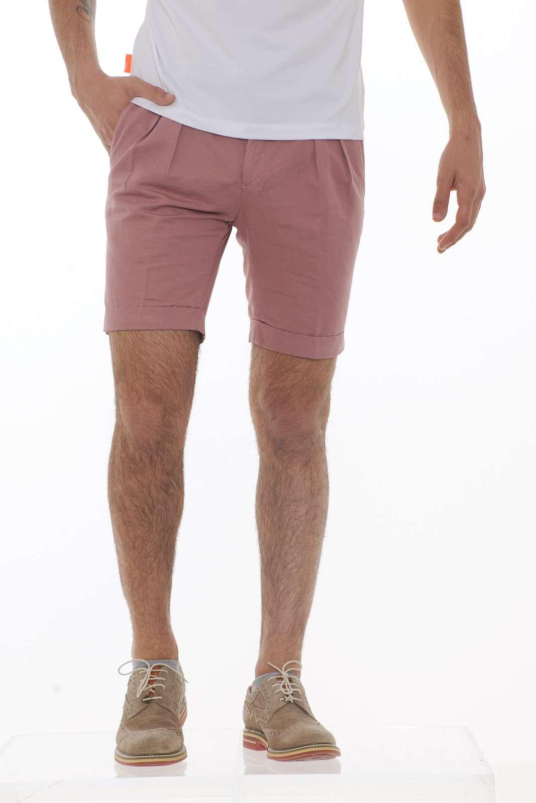 Il bermuda Michael Coal dal taglio glamour, adatto per tutti i giorni o anche con camicia più elegante.