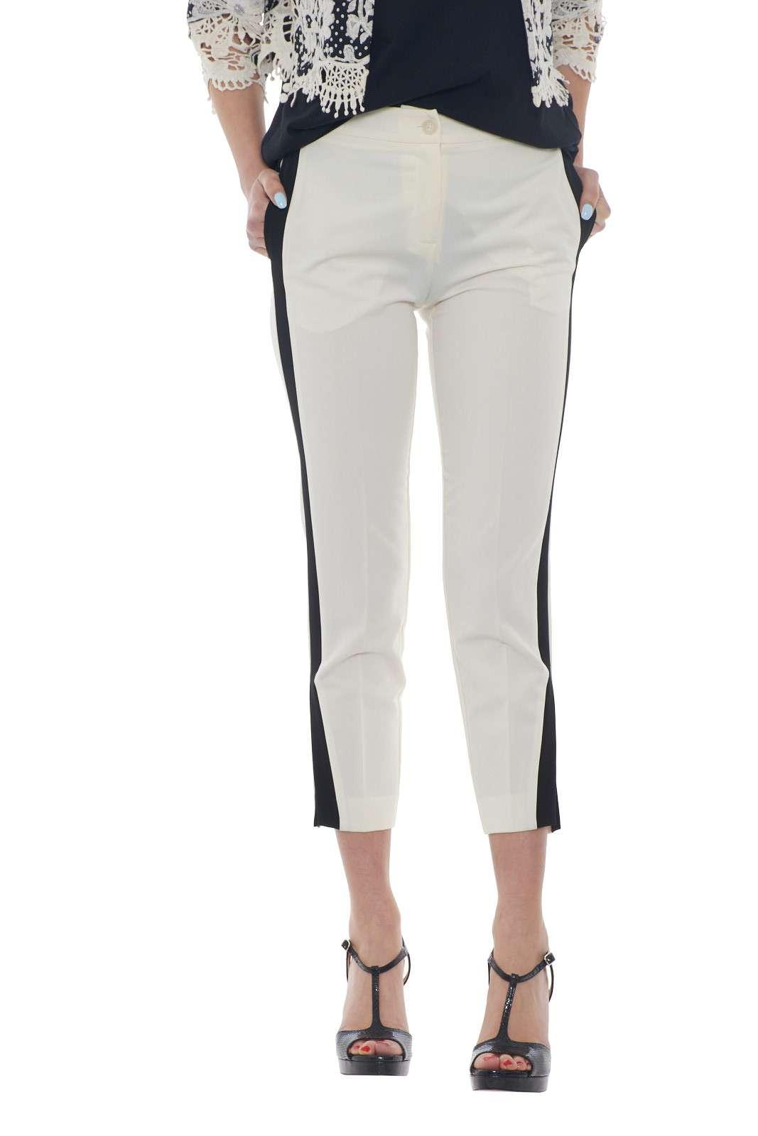 https://www.parmax.com/media/catalog/product/a/i/PE-outlet_parmax-pantaloni-donna-Ekl%C3%A8-1015827-A.jpg