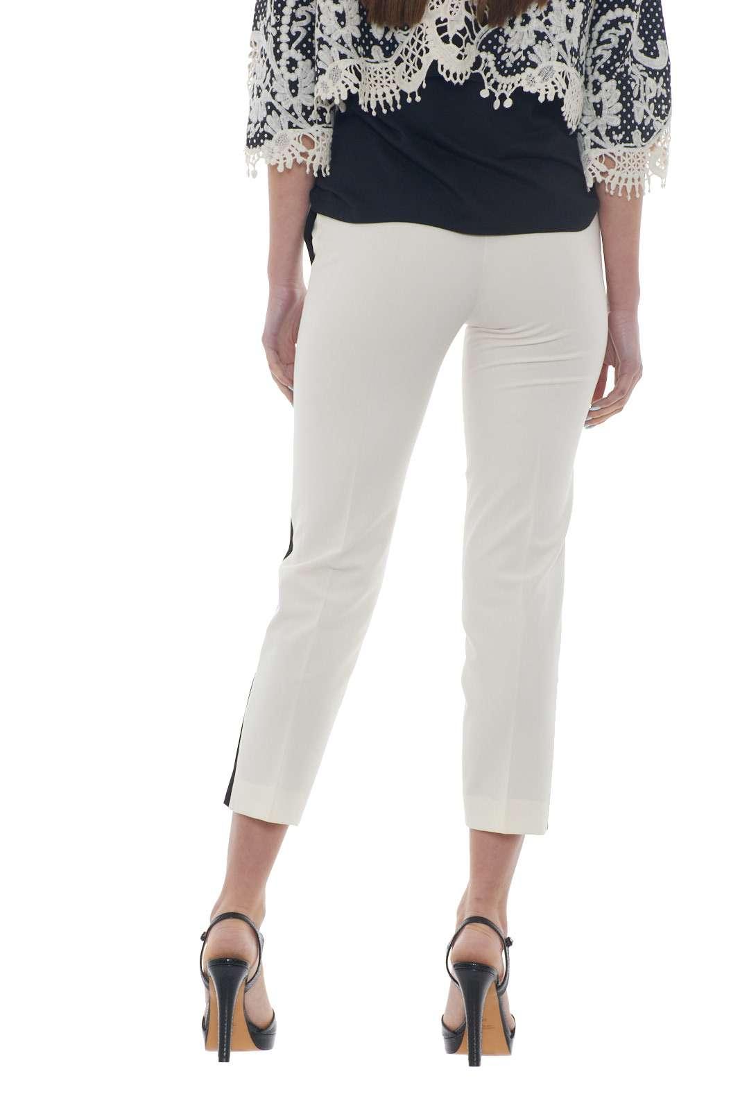 https://www.parmax.com/media/catalog/product/a/i/PE-outlet_parmax-pantaloni-donna-Ekl%C3%A8-1015827-C.jpg