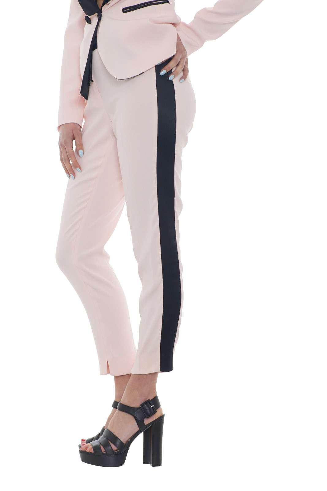 https://www.parmax.com/media/catalog/product/a/i/PE-outlet_parmax-pantaloni-donna-Liu-Jo-i18076-B.jpg