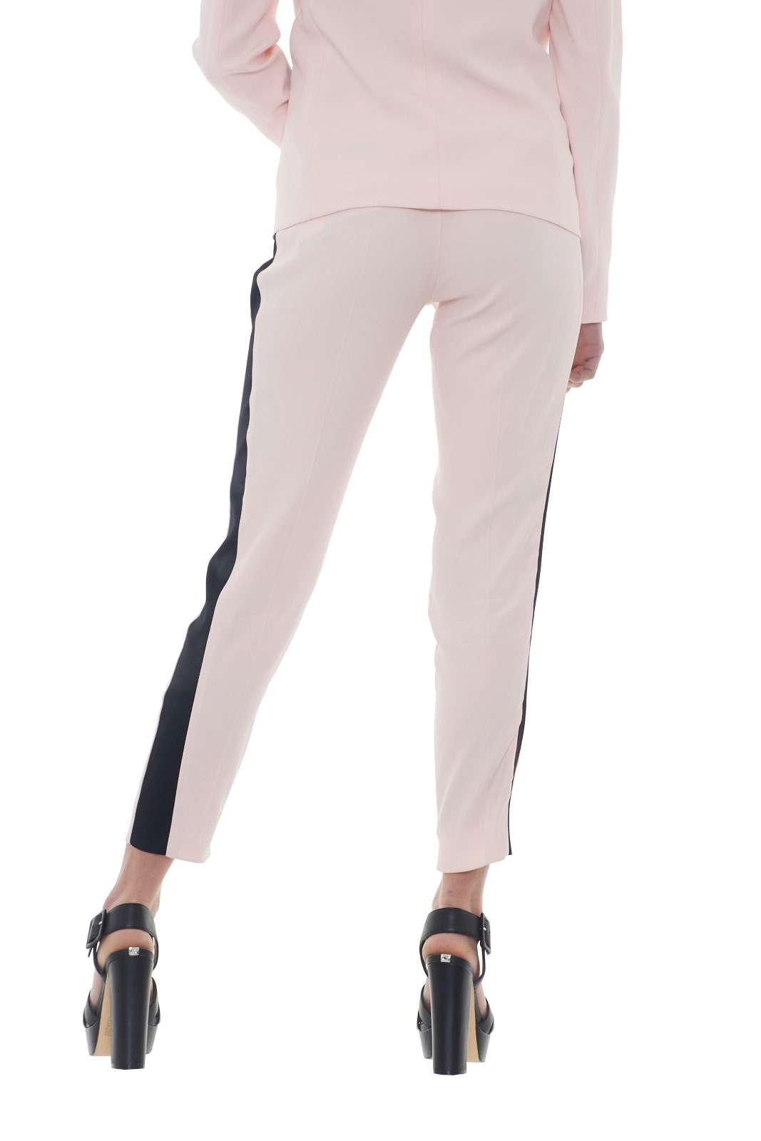 https://www.parmax.com/media/catalog/product/a/i/PE-outlet_parmax-pantaloni-donna-Liu-Jo-i18076-C.jpg