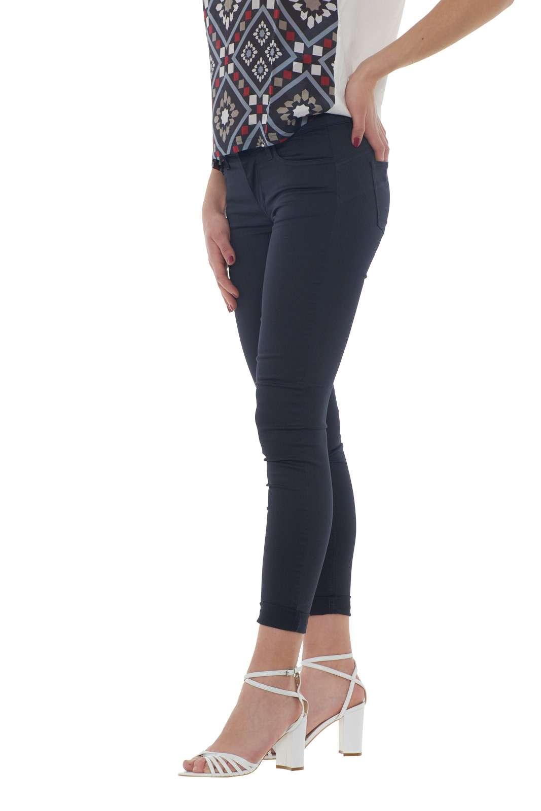 https://www.parmax.com/media/catalog/product/a/i/PE-outlet_parmax-pantaloni-donna-Liu-Jo-w17167-B.jpg
