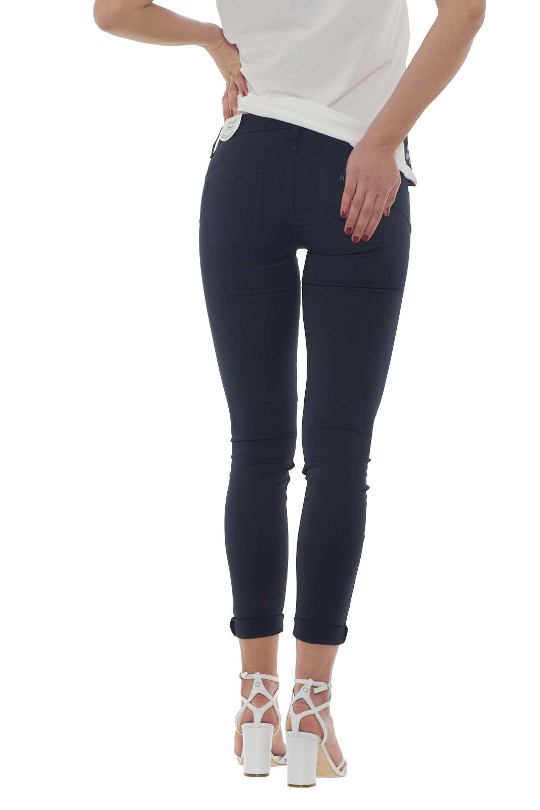 https://www.parmax.com/media/catalog/product/a/i/PE-outlet_parmax-pantaloni-donna-Liu-Jo-w17167-C.jpg