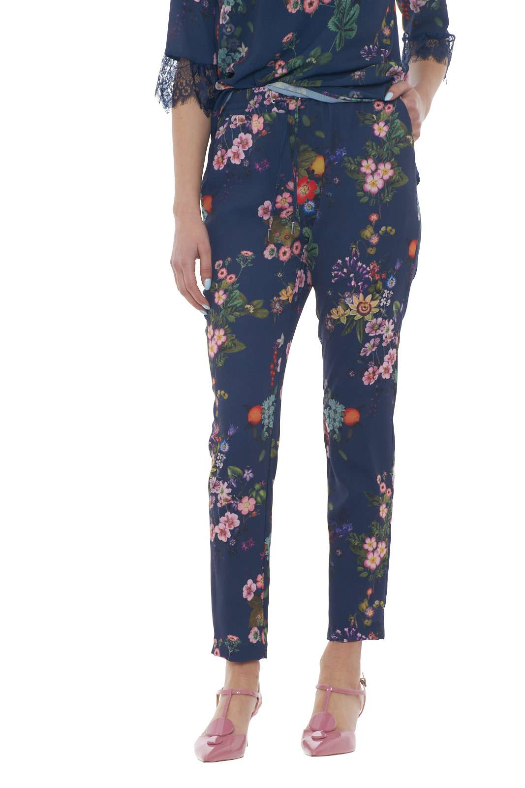 https://www.parmax.com/media/catalog/product/a/i/PE-outlet_parmax-pantaloni-donna-Liu-Jo-w19280-A.jpg