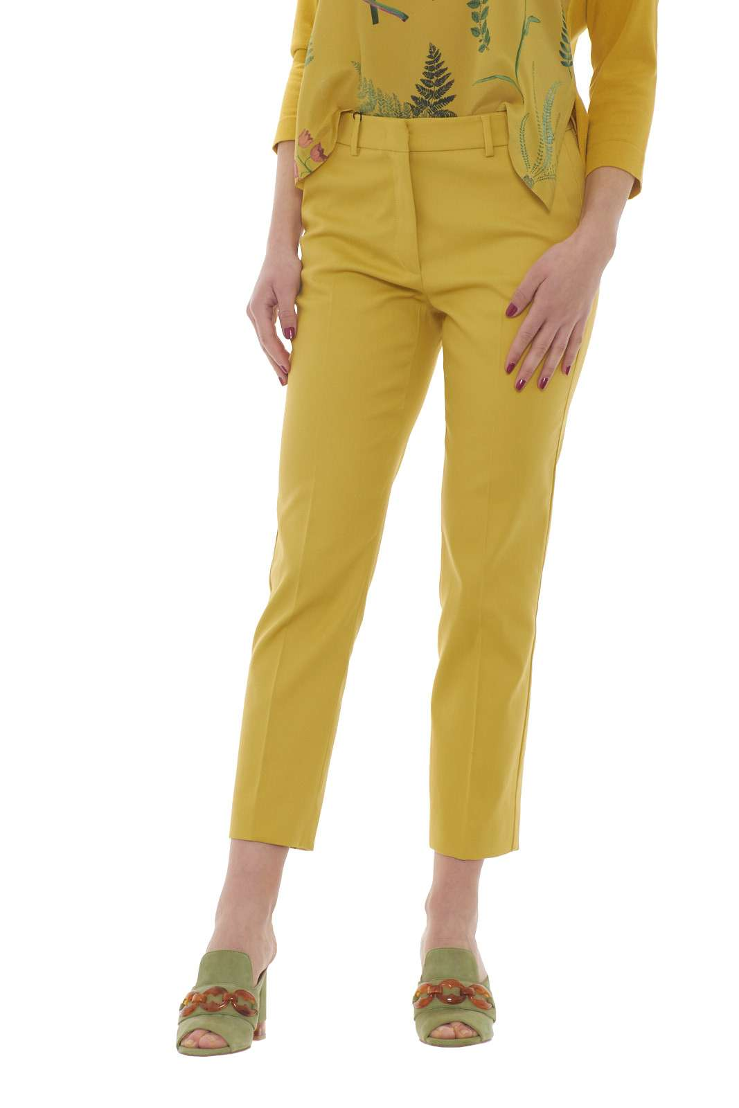 https://www.parmax.com/media/catalog/product/a/i/PE-outlet_parmax-pantaloni-donna-MaxMara-51310107-A.jpg