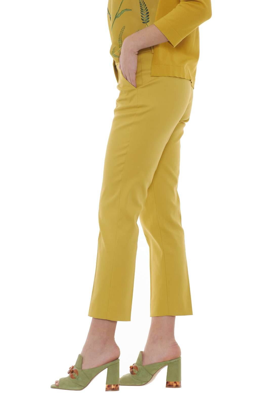 https://www.parmax.com/media/catalog/product/a/i/PE-outlet_parmax-pantaloni-donna-MaxMara-51310107-B.jpg
