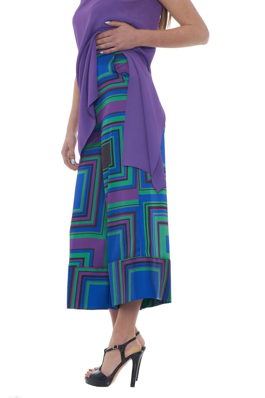 https://www.parmax.com/media/catalog/product/a/i/PE-outlet_parmax-pantaloni-donna-Mem-pa129v02-B.jpg