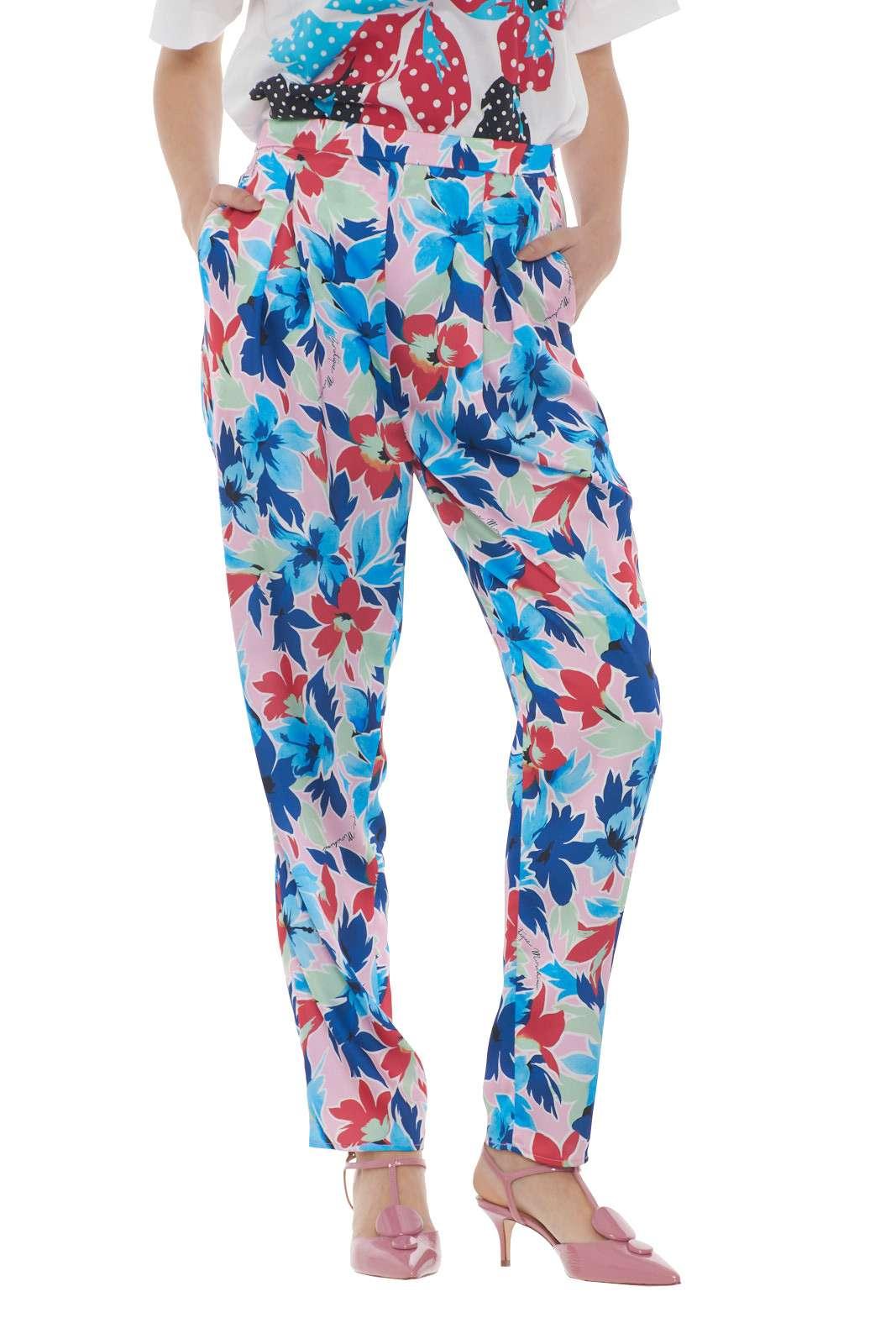 https://www.parmax.com/media/catalog/product/a/i/PE-outlet_parmax-pantaloni-donna-Moschino-a0302%201152-A.jpg