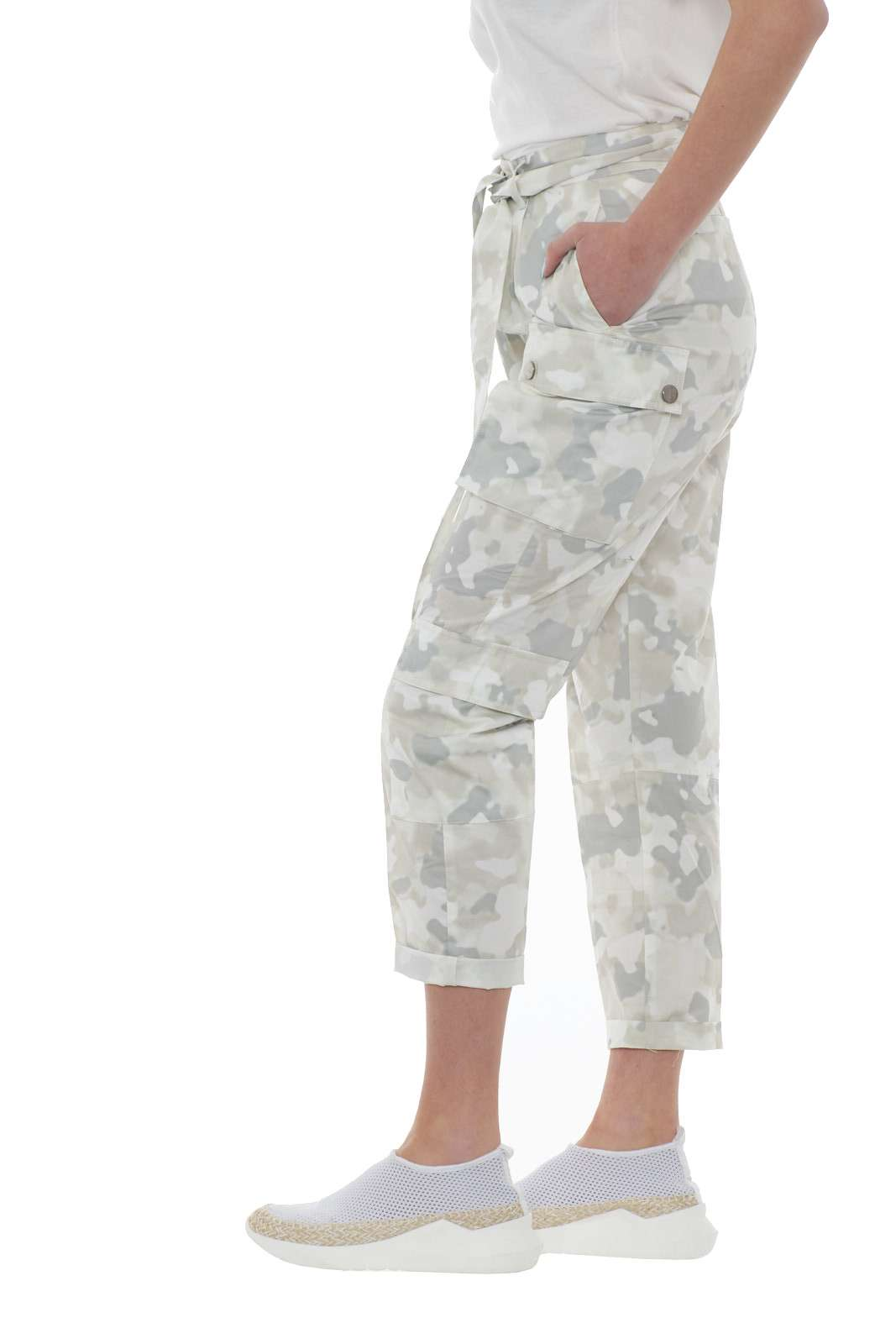 https://www.parmax.com/media/catalog/product/a/i/PE-outlet_parmax-pantaloni-donna-Pinko-1b14fn-B.jpg