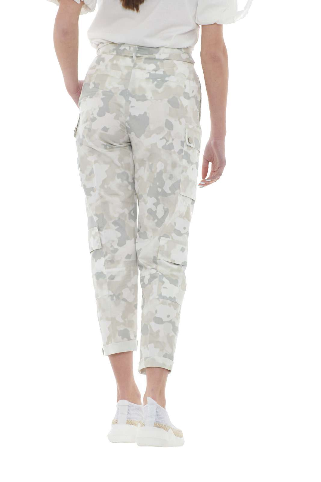 https://www.parmax.com/media/catalog/product/a/i/PE-outlet_parmax-pantaloni-donna-Pinko-1b14fn-C.jpg