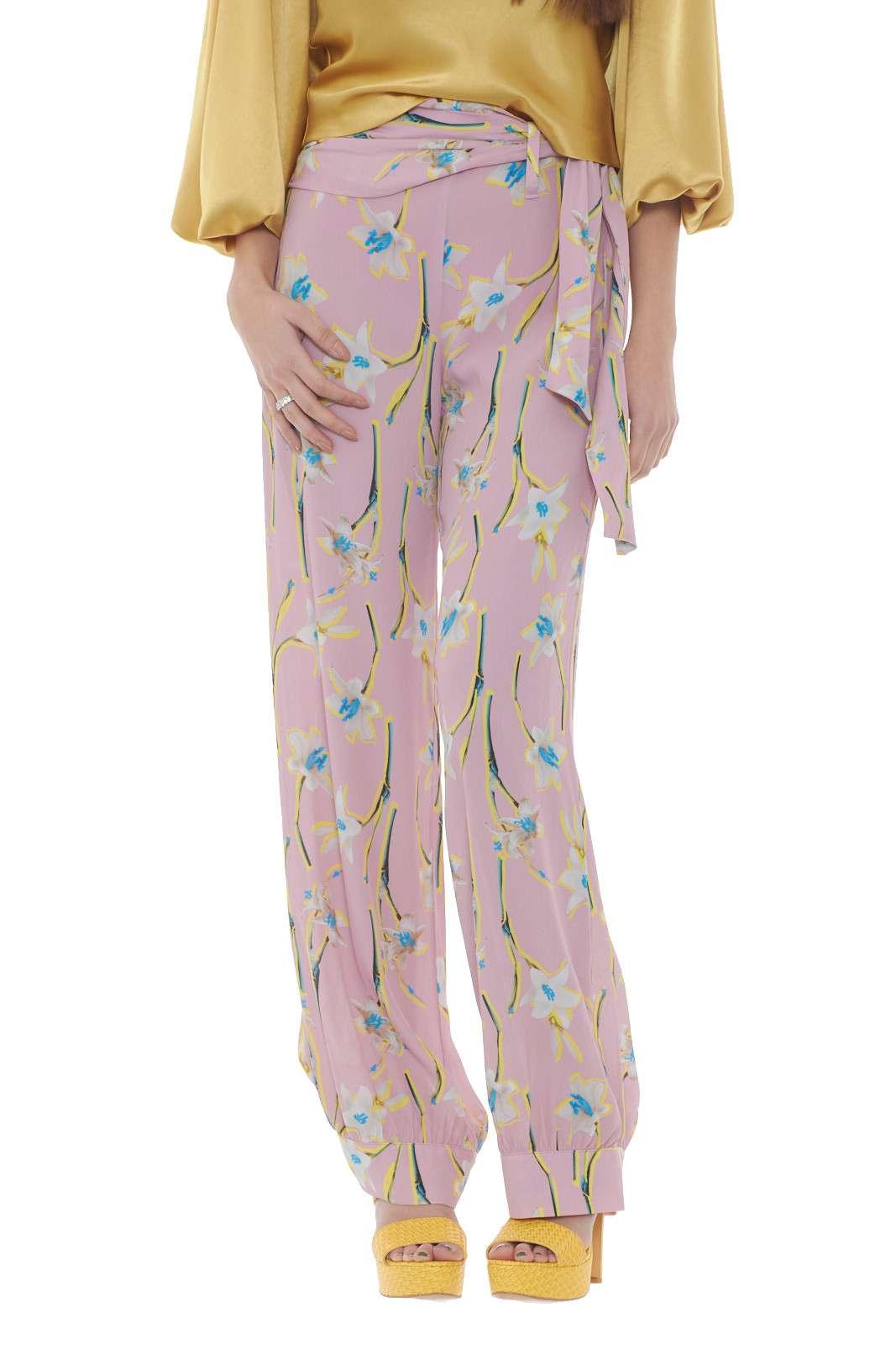 https://www.parmax.com/media/catalog/product/a/i/PE-outlet_parmax-pantaloni-donna-Pinko-1g14kc-A.jpg