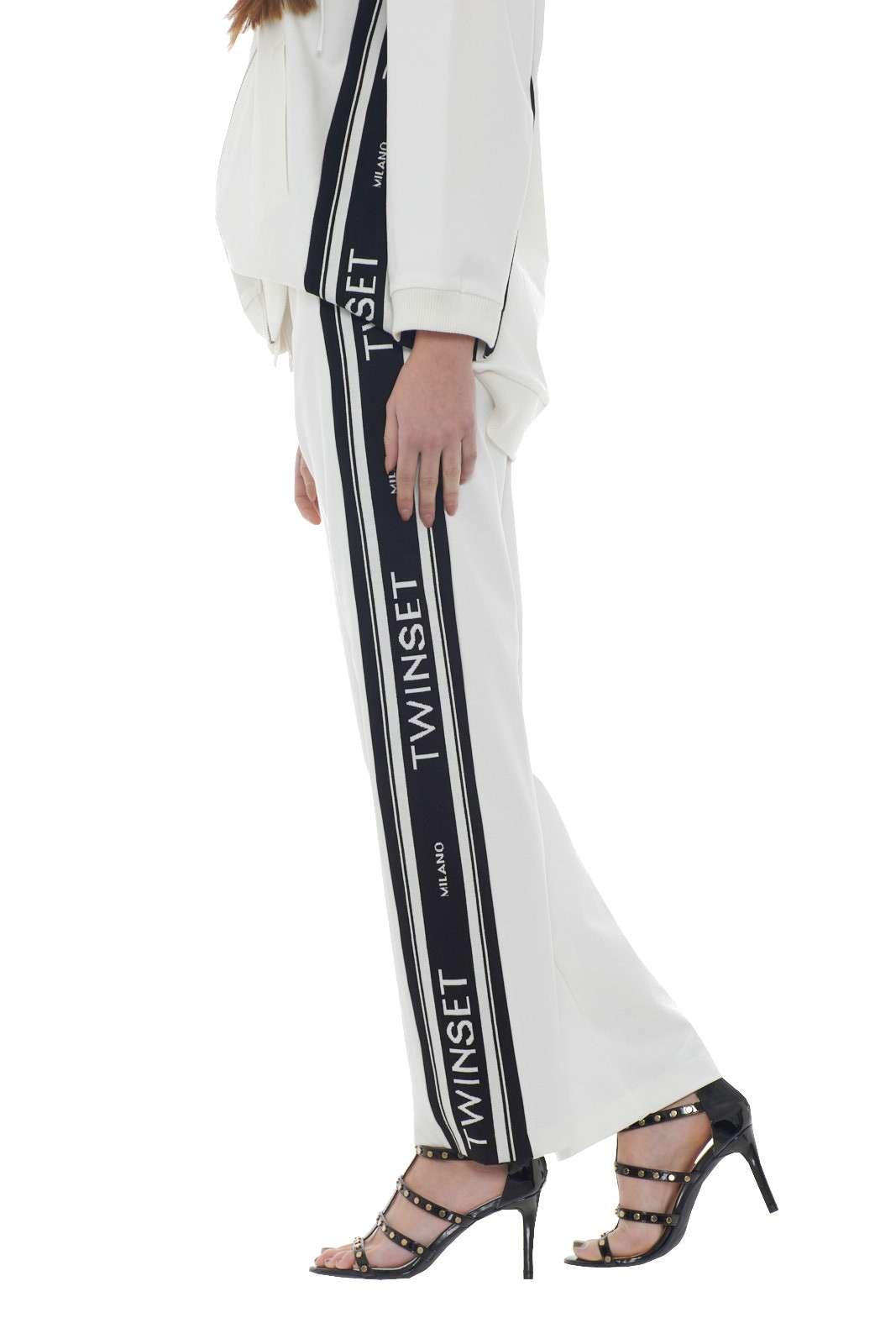 https://www.parmax.com/media/catalog/product/a/i/PE-outlet_parmax-pantaloni-donna-TwinSet-201TP2072-B.jpg