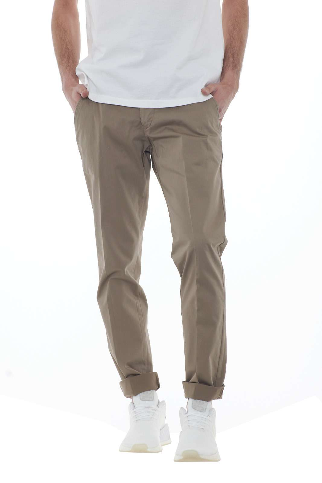 https://www.parmax.com/media/catalog/product/a/i/PE-outlet_parmax-pantaloni-uomo-Desica-POSITANORASO-A.jpg
