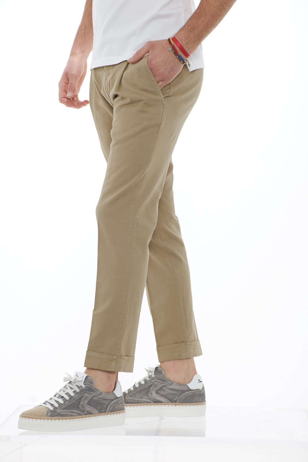 https://www.parmax.com/media/catalog/product/a/i/PE-outlet_parmax-pantaloni-uomo-FREDERICK3340-B.jpg