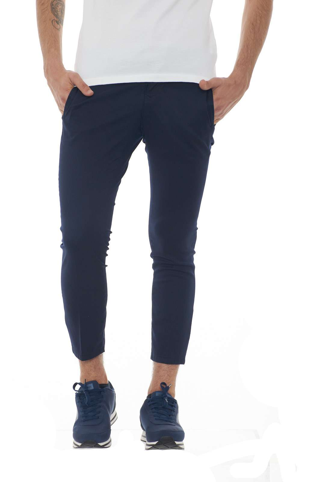 https://www.parmax.com/media/catalog/product/a/i/PE-outlet_parmax-pantaloni-uomo-Michael-Coal-CLARK3361-A.jpg