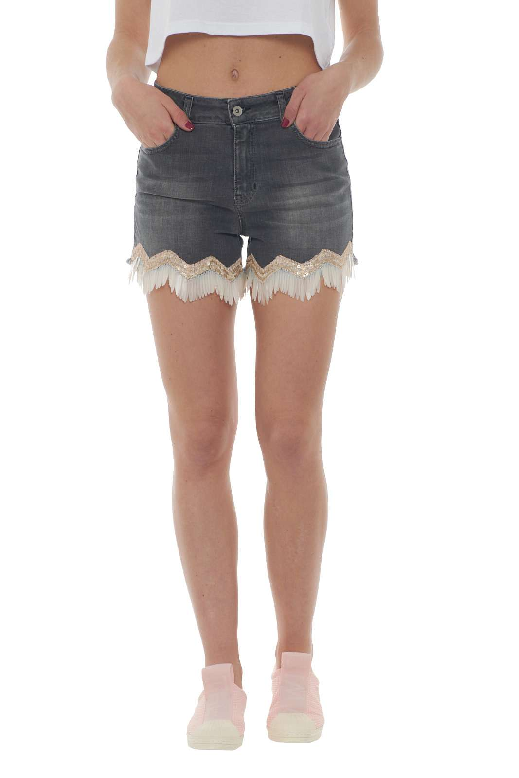 https://www.parmax.com/media/catalog/product/a/i/PE-outlet_parmax-shorts-donna-Le-Voliere-ws19p020d-A.jpg