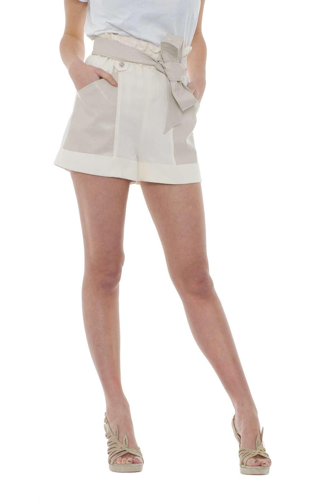 https://www.parmax.com/media/catalog/product/a/i/PE-outlet_parmax-shorts-donna-TwinSet-201TT2213-A.jpg