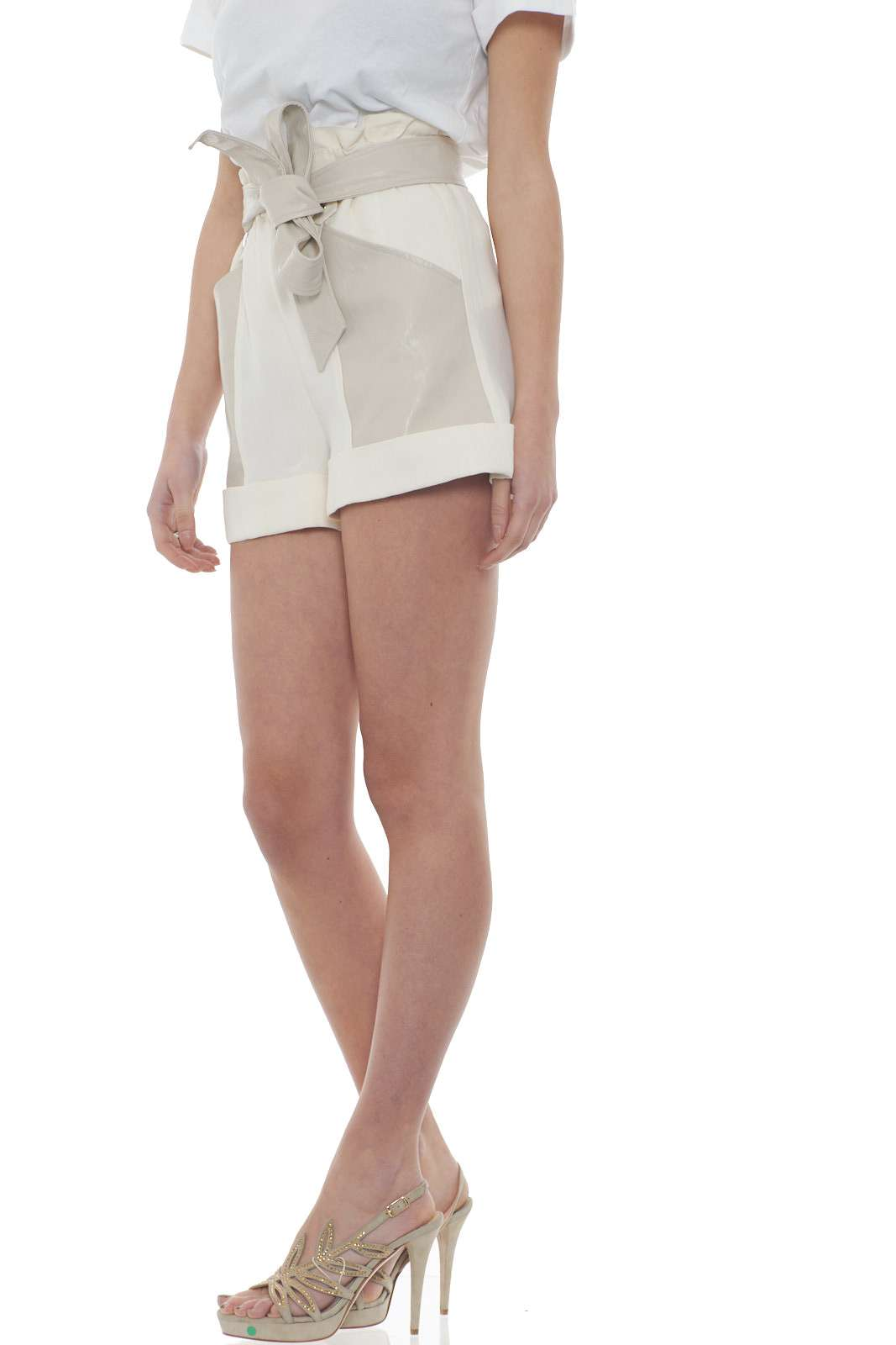 https://www.parmax.com/media/catalog/product/a/i/PE-outlet_parmax-shorts-donna-TwinSet-201TT2213-B.jpg