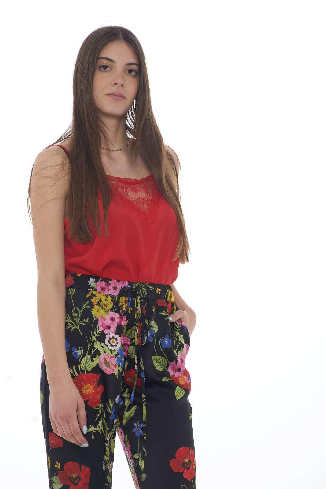 https://www.parmax.com/media/catalog/product/a/i/PE-outlet_parmax-top-donna-Sfizio-19fe8681-A.jpg