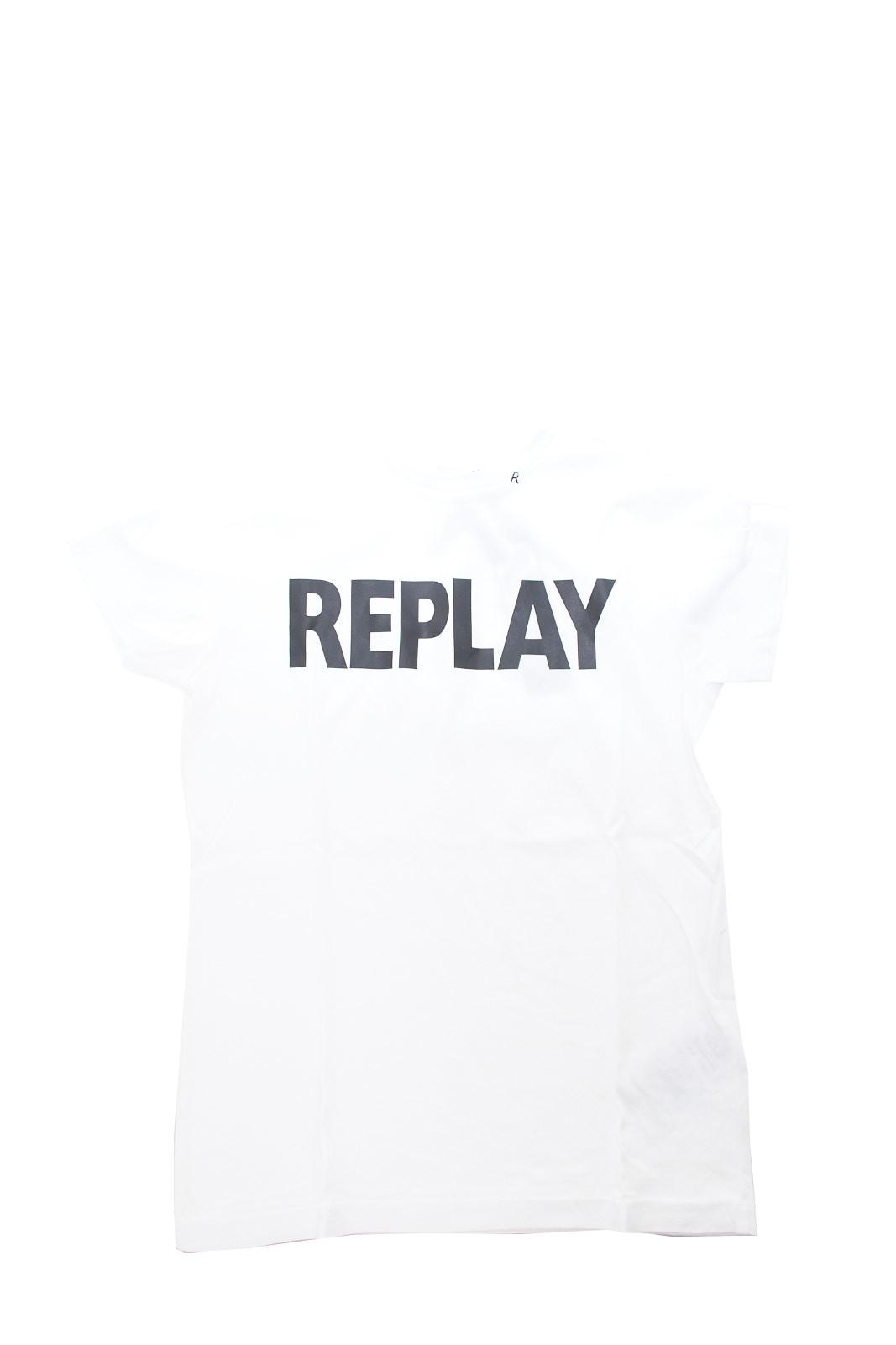 Una semplicità iconica e stilosa, quella di questa t shirt firmata Replay. Perfetta per look semplici e comodi, ma che non lasciano comunque nulla al caso.