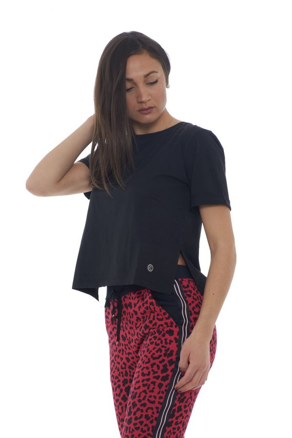 https://www.parmax.com/media/catalog/product/a/i/PE-outlet_parmax-t-shirt-donna-Colmar-8617T-B_1.jpg