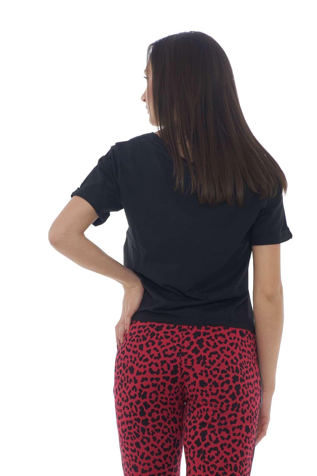 https://www.parmax.com/media/catalog/product/a/i/PE-outlet_parmax-t-shirt-donna-Colmar-8617T-C_1.jpg
